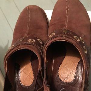 Ariat brown suede clogs